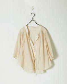 no.11013B , item. layered cape , color. nude