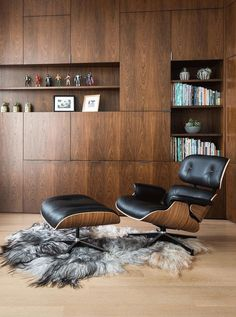 Eames Lounge Chair Replica | Barcelona Designs | Premium Reproduction