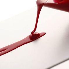 どろっと流れる赤い液体がちょっぴり怖いコチラ。 こちらももちろんブックマーカーです。 どんな風に使うかというと…?