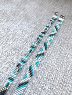 Set of Two Turquoise Miyuki Bracelet / Beaded Bracelet / Miyuki Beads / Miyuki Bead Bracelet / Chevron / Turquoise and Grey / Miyuki Delica - Bracelets Tutorials Loom Bracelet Patterns, Bead Loom Bracelets, Bead Loom Patterns, Beaded Jewelry Patterns, Bracelet Chevron, Turquoise Bracelet, Bead Loom Designs, Armband Diy, Diy Schmuck