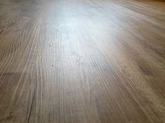 Kvalita podlahy sa dá zhodnotiť aj proti svetlu.  #designflooring #čistenie #vinyl #vinylovapodlaha #podlaha #podlahy #dizajn #interer #byvanie #architektura #dom #byt #luxus #vlhkost #kupelna #kuchyna #obyvacka #spalna #drevo  #oprava #servis #vymena #lamela #pes #psy #zvieratá #dieťa #deti #balenie #preprava Amigurumi Patterns, Crochet Patterns, Crochet Top Outfit, Cotton Pads, Half Double Crochet, Vinyl, Pattern Making, Bed Frame, Different Colors