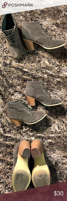 Wet seal booties Preloved ❤️ in very good condition  Scuffs on the heels (pictured) red marks - not noticeable when worn Army green color 😍 Wet Seal Shoes Ankle Boots & Booties