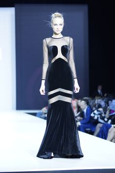 Falling in love with this Fashions dress! Fashion Fashion, Fashion Dresses, Costura Fashion, Wardrobe Room, Dress Me Up, Mercedes Benz, Diva, Russia, Runway