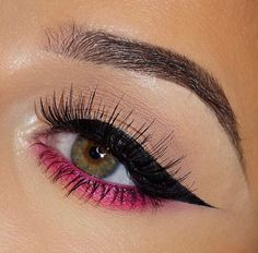 These trending light pink makeup looks are so natural; Check out all the pink makeup looks for black girls and fair girls here. Creative Eye Makeup, Colorful Eye Makeup, Pink Makeup, Simple Makeup, Casual Makeup, Easy Eye Makeup, 80s Makeup, Baddie Makeup, Makeup 2018