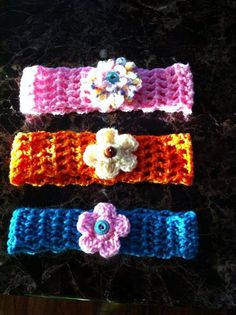 Crochet Hair Rubber Band : Crochet hair band with flowers :)/ Diademas en crochet con flores que ...