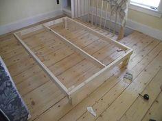 DIY - $15 bed frame http://www.instructables.com/id/15-bed-frame/all/?lang=pt