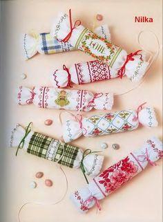 Милые сердцу штучки: Вышивка крестом: Игольницы-конфетки своими руками