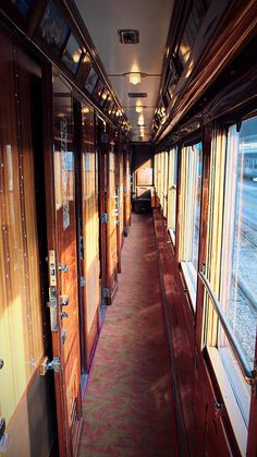 Corridor on the Orient Express Travel by luxury train. Train Car, Train Tracks, Train Rides, Orient Express Train, Simplon Orient Express, Luxury Travel, Travel Usa, Luxury Cars, Level Design