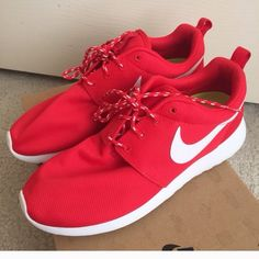 Looking for Red Roshes or Maroon New or excellent condition. Sizes 6.5 in jrs or 7.5-8.5 in women Nike Shoes