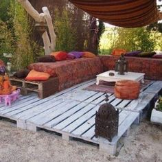Gets my wheels turning with ideas for a temporary deck in a sunny spot i have in mind...