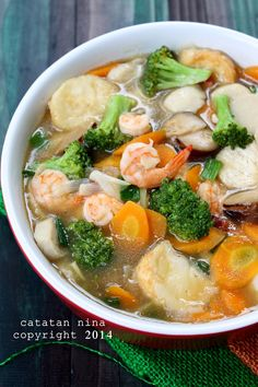 Sapo tahu udang (shrimp and tofu stew) Seafood Soup Recipes, Pasta Dinner Recipes, Seafood Stew, Diet Soup Recipes, Easy Pasta Recipes, Seafood Dinner, Spicy Recipes, Asian Recipes, Appetizer Recipes