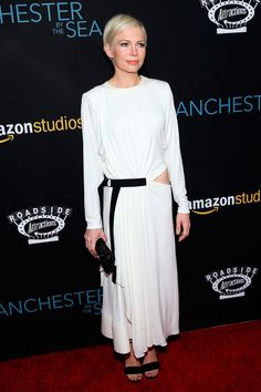 14 November Michelle Williams looked lovely in white Louis Vuitton and Repossi jewellery for the premiere of Manchester By The Sea.