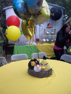 Cute Table Centerpiece- Angry Birds in the nest with helium balloons