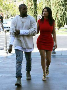 Kim Kardashian - Kanye West & Kim Kardashian Go To The Movies