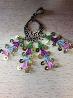 Güzel Lace Jewelry, Handmade Jewelry, Diy And Crafts, Arts And Crafts, Needle Lace, Piercings, Needlework, Jewerly, Crochet Earrings