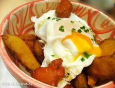 Huevos rotos con patatas y chistorra -Recetas fáciles. Cocina andaluza y del mundo. » DIVINA COCINA