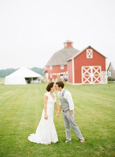 Barn Wedding - picture perfect!