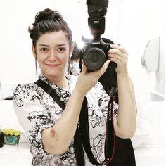 Necessito urgentemente de um cabeleireiro meu nome atual é Silvana Coque Garzaro kkkkkkkk. ( ah o roxo no braço é porque estive doente injeções.... já melhorei... ) by silvana.garzaro