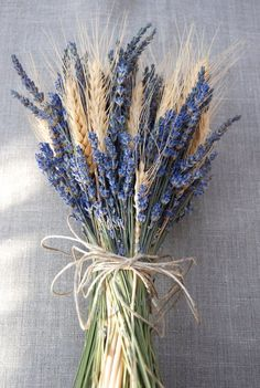Brides Bouquet of Lavender and Wheat Custom Made Handtied We.- Brides Bouquet of Lavender and Wheat Custom Made Handtied - Lavender Bouquet, Dried Flower Bouquet, Flower Bouquet Wedding, Dried Flowers, Non Flower Bouquets, Flowers Nature, Deco Champetre, Fleurs Diy, Making A Bouquet