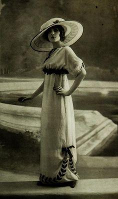Les Modes (Paris) 1912. Robe d'apres-midi et chapeau par Jeanne Lanvin