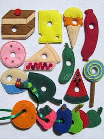Materiali poveri per giochi ricchi: Tutti i bruchi diventano farlalle Sock Crafts, Felt Crafts, Sewing Crafts, Diy Quiet Books, Felt Books, Knitting Toys Easy, Nursery Activities, Activity Cube, Album Jeunesse