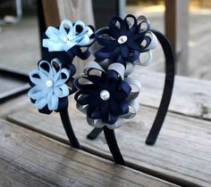 New Hair Accessories Diy School Ideas Hair Ribbons, Ribbon Bows, Ribbon Flower, Diy Headband, Baby Headbands, School Uniform Accessories, School Hair Bows, How To Make Headbands, Ribbon Sculpture