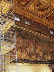 Battaglia di Anghiari: le prove.  Scoperte dietro l'affresco del Vasari in Palazzo Vecchio a Firenze le tracce dell'opera perduta di Leonardo. Tutte le info su www.intoscana.it