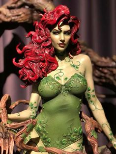 Poison Ivy Comic, Dc Poison Ivy, Poison Ivy Batman, Dc Comics, Couple Halloween Costumes, Woman Costumes, Disney Costumes, Adult Costumes, Arte Peculiar