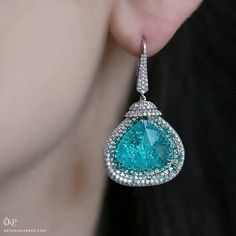 @katerina_perez - Sueur Haute Couture week in Paris I met jeweller to the stars Martin Katz's @martinkatzjewels. He showed me a number of his colourful pieces including these paraiba tourmaline and diamond drop earrings. They have are such a spellbinding colour, I could easily dive straight into them!