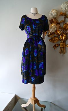 50s Dress // Vintage 1950s Abstract Silk Floral by xtabayvintage, $298.00