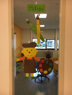 Kids Daycare, Image Categories, Vincent Van Gogh, Tweety, Kindergarten, Crafts For Kids, Aqua, Museum, Cube