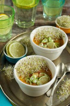 Ázsiai halleves recept Calzone, Ramen, Soup, Japanese, Ethnic Recipes, Japanese Language, Soup Appetizers, Soups, Windows