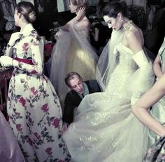 Master of Couture: Jacques Fath Jacques Fath, Vintage Dresses 50s, Vintage Outfits, Vintage Clothing, Moda Fashion, Fashion Show, Club Fashion, Lanvin, 1950s Fashion Trends