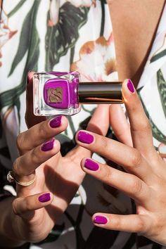 Radiant orchid nail polish nails, beauty nails e orchid nails. Get Nails, Love Nails, How To Do Nails, Pretty Nails, Hair And Nails, Essie, Orchid Nails, Magenta Nails, Living At Home