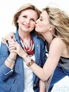 Jennifer Nettles and her mom Carla Temple