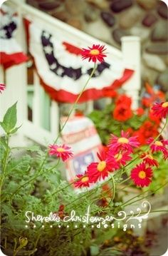4th of July Decor  Free Pinterest E-book (Get loads of followers)  http://pinterestperfection.gr8.com