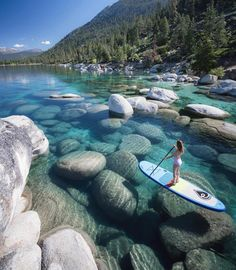 Lake Tahoe, California and Nevada in the Sierra Nevada Mountains the ultimate adventure travel destination! Hike, mountain bike, and enjoy the worlds most beautiful water with this perfect Lake Tahoe itinerary. Lago Tahoe, Vacation Places, Dream Vacations, Vacation Wear, Us Vacation Spots, Camping Places, Destination Voyage, Travel Goals, Oh The Places You'll Go