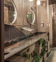 Industrial bathroom with  metallic finish