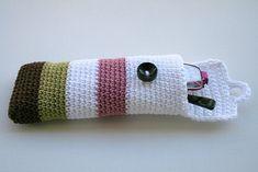 Crochet glasses pouch by Anat Dvir, via Flickr