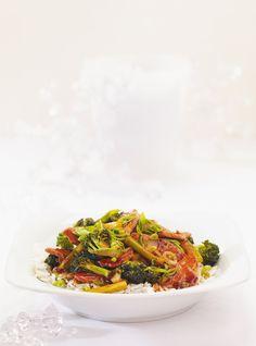 Ricardo& Recipe : Pork and Broccoli Stir-Fry Teriyaki Beef Stir Fry, Pork Stir Fry, Stir Fry Dishes, Food Dishes, Pork Broccoli, Broccoli Stir Fry, Beef Kabob Recipes, Vegetable Recipes, Cooking Stir Fry