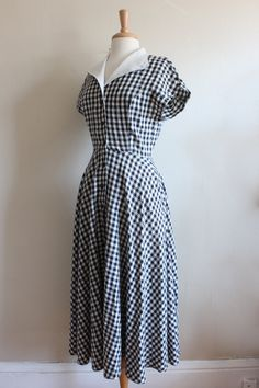 Vintage 1980s does 1950s style gingham linen shirtwaist dress