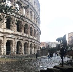 Did you know ILP volunteers can visit Rome while they teach English abroad? Make sure you check out the do's and don'ts before you go!