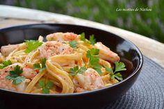 """750g vous propose la recette """"Pâtes linguine aux crevettes, sauce crémeuse à l'ail, paprika fumé et citron"""" publiée par Les recettes de Nathou."""
