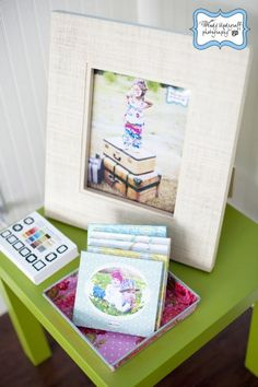 samples and little cards of Organic Bloom frames