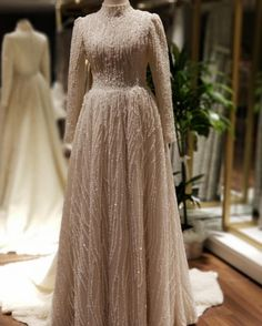 Image may contain: one or more people Hijab Bridesmaid Dresses 2020 Source by TesetturModelleriGiyim The post Image may contain: one or more people Hijab Wedding Dresses Mo & appeared first on wedding. Hijab Gown, Hijab Evening Dress, Hijab Dress Party, Evening Dresses, Muslimah Wedding Dress, Muslim Wedding Dresses, Bridesmaid Dresses, Hijab Bride, Muslim Brides