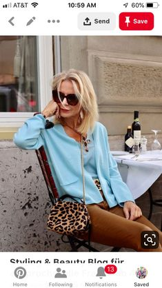 The bag is necesary Mature Fashion, Over 50 Womens Fashion, Fashion Over 50, Boho Fashion, Fashion Outfits, Autumn Fashion, Over 40 Outfits, Business Casual Outfits For Women, Moda Boho