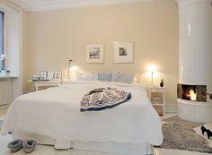 Soveværelse med svensk kakkelovn