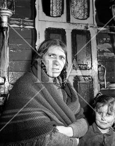 Ballinasloe Tinker Housing Story - Special for Sunday Express.Mrs Bridget Stokes, a tinker on the Bog Rd, Ballinasloe, Co. Galway.28/01/1957