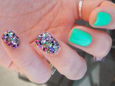 The Digit-al Dozen Does Texture: Loose Glitter