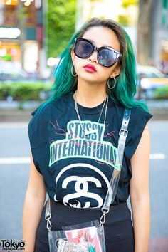 Tokyo Street Style w/ Green Hair, Stussy Sleeveless Top, Bershka Miniskirt, Evris Platform Sandals & Nana-Nana Clear Bag (Tokyo Fashion News) Tokyo Fashion, Harajuku Fashion, Fashion News, Harajuku Style, Street Fashion, Tokyo Street Style, Gyaru, Stussy, Green Hair